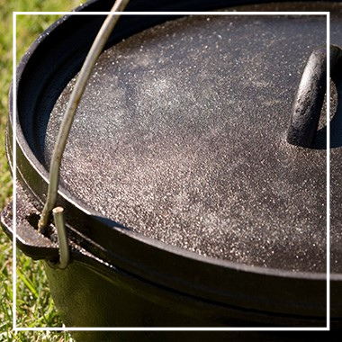 Camp-Oven-Cooking-–-A-Complete-Guide-
